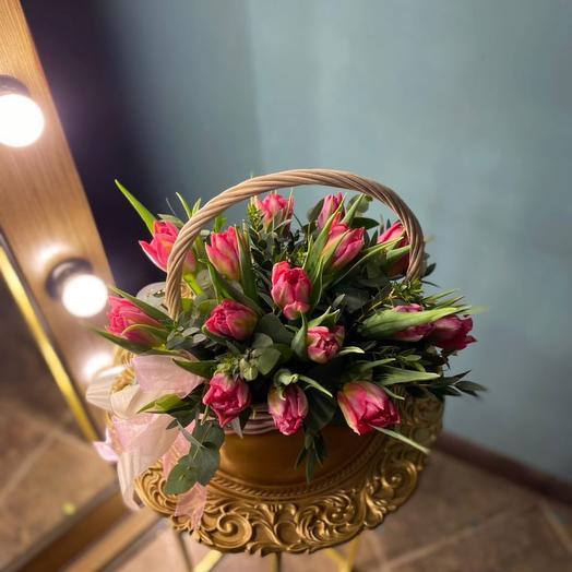 Корзина с пионовидными тюльпанами Флеш поинт