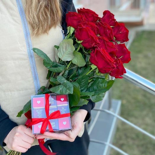 Розы красные + конфеты ️