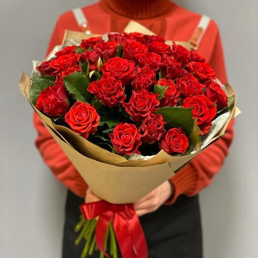 Букет из 35 кружевных красных роз