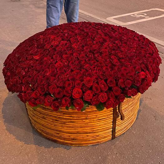 Корзина с 1001 розой