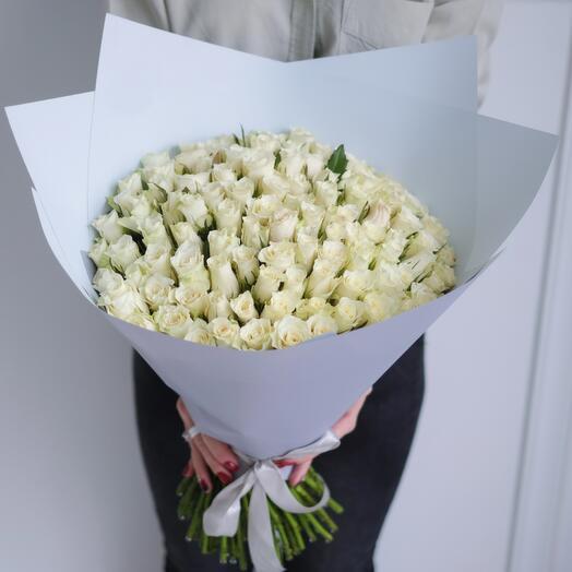 101 белая роза 40 см в упаковке (Кения)