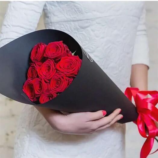 9 роз в упаковке