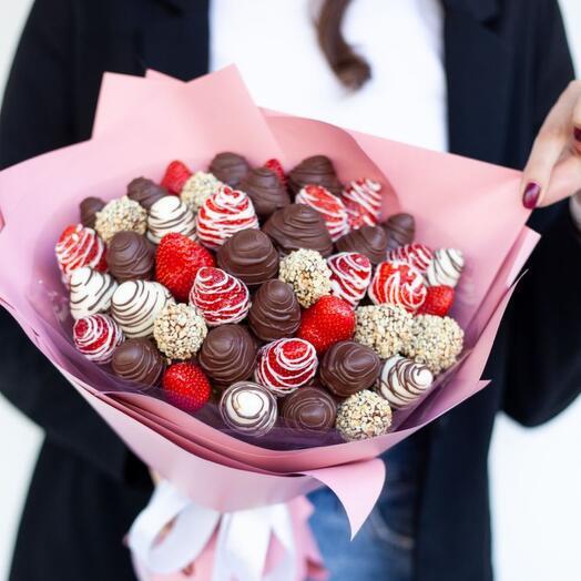 "Strawberries in Belgian chocolate "" Flirt»"