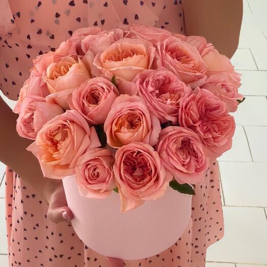21 пионовидная Роза в коробке