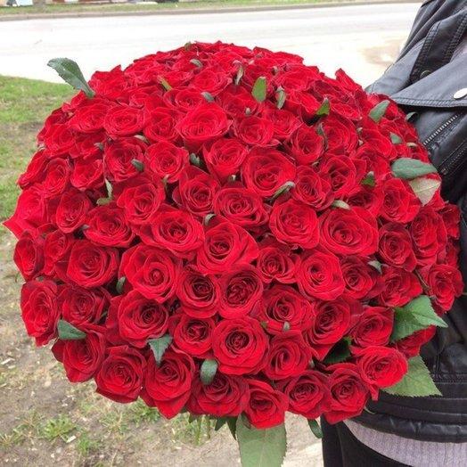 101 красная роза первого сорта: букеты цветов на заказ Flowwow