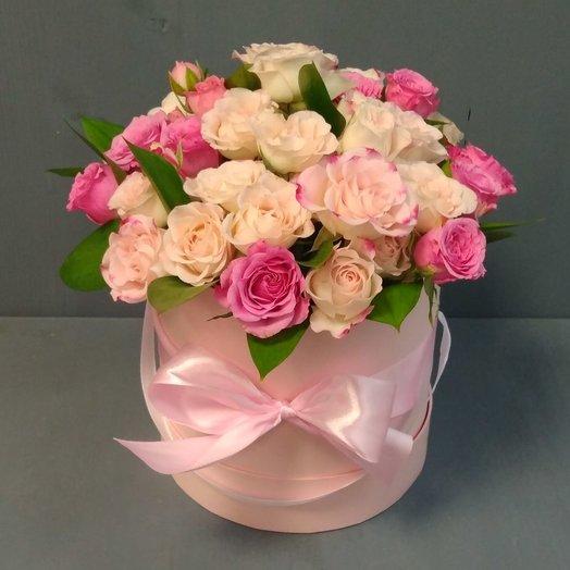 Шляпная коробочка с кустовыми розами: букеты цветов на заказ Flowwow