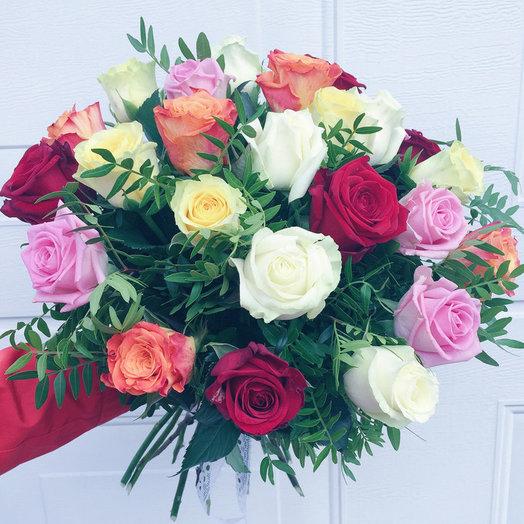 Букет микс из 21 разноцветной розы