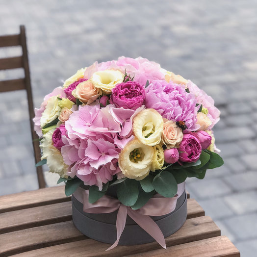 Шляпная коробочка «Милая»: букеты цветов на заказ Flowwow