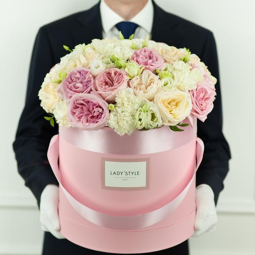 Букет Selene в шляпной коробке XL: букеты цветов на заказ Flowwow