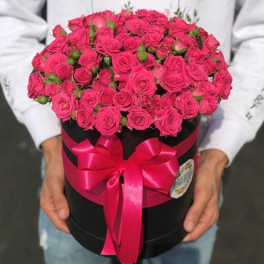 Коробки с цветами. Кустовые розы.  N237: букеты цветов на заказ Flowwow