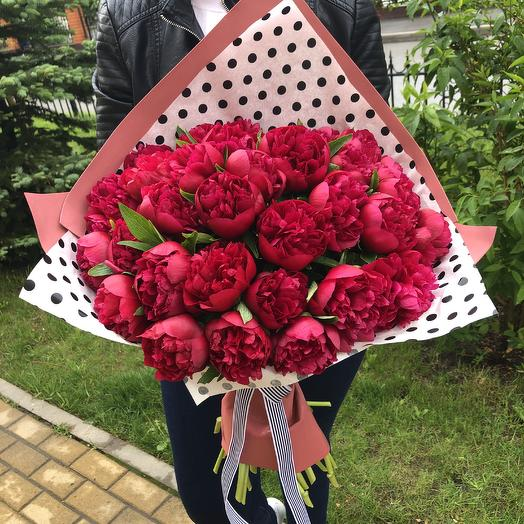 35 пионов: букеты цветов на заказ Flowwow