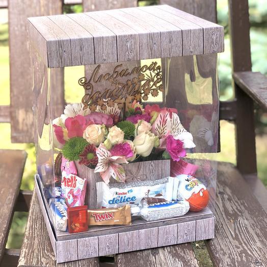Бокс с цветами и конфетами: букеты цветов на заказ Flowwow