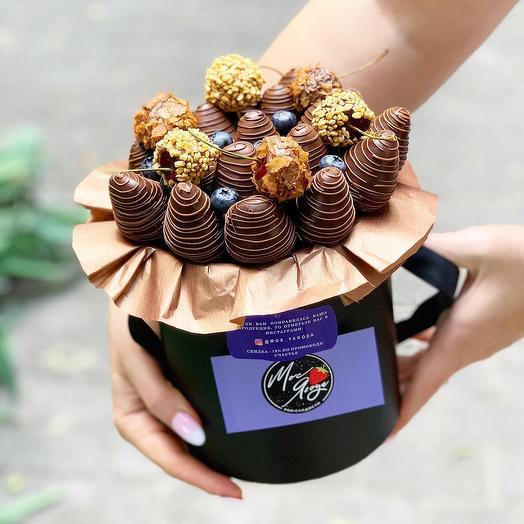 Бокс из клубники в шоколаде: букеты цветов на заказ Flowwow
