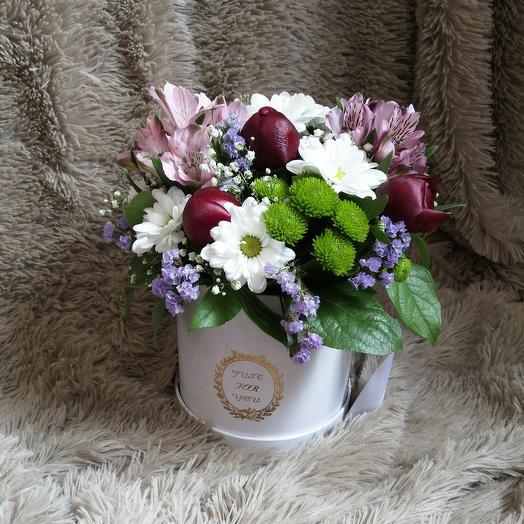 Шляпная коробка с пионами и хризантемами: букеты цветов на заказ Flowwow