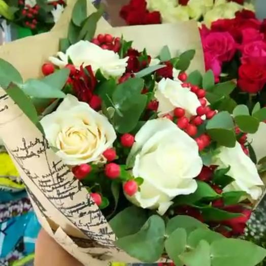 Красивейший букет из нежных роз и альстрамерий: букеты цветов на заказ Flowwow