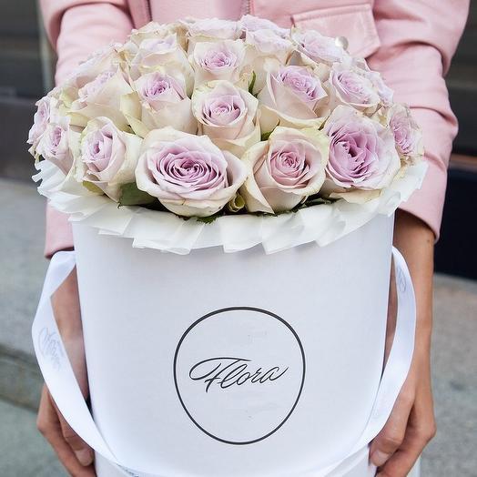Кенийкие розы в шляпной коробке