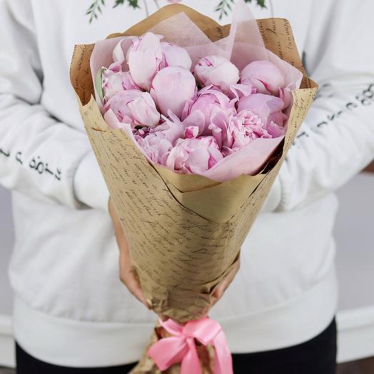 Букет из 11 розовых пионов. N782