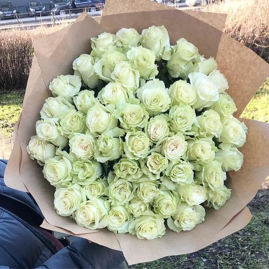 Букет из 51 белой розы премиум 60 см