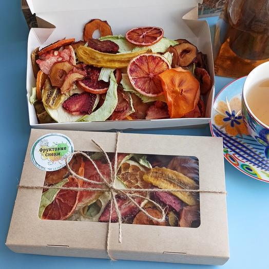 Подарочный набор с ассорти из 9 видов фруктовых снеков
