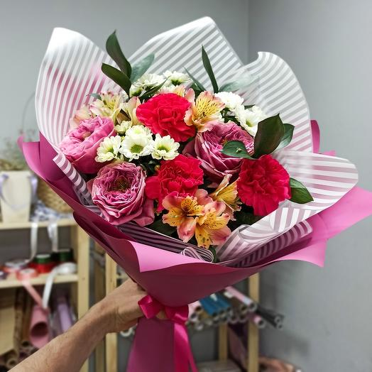 Author's bouquet with peony-shaped roses