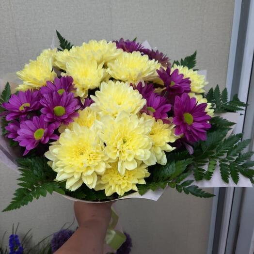 Монобукет из цветной хризантемы
