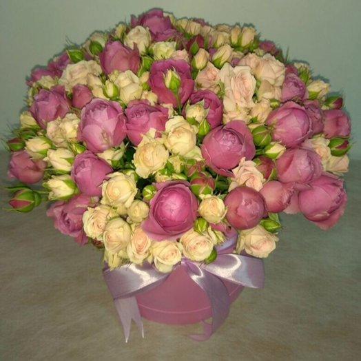 31 кустовая роза в коробке: букеты цветов на заказ Flowwow
