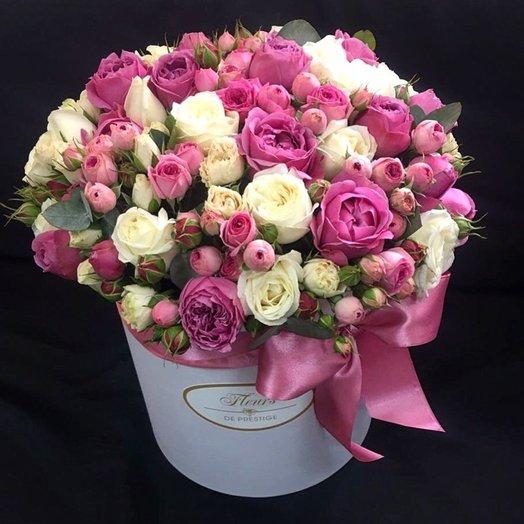 Большая коробка с пионовидными розами