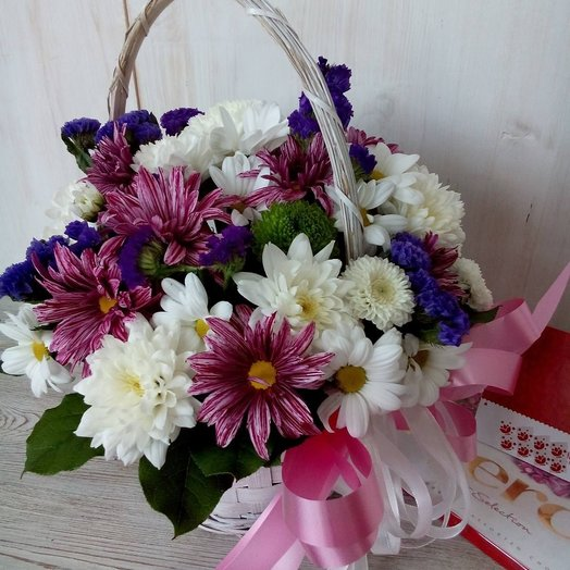 Basket spray chrysanthemum and bow. Code 180041
