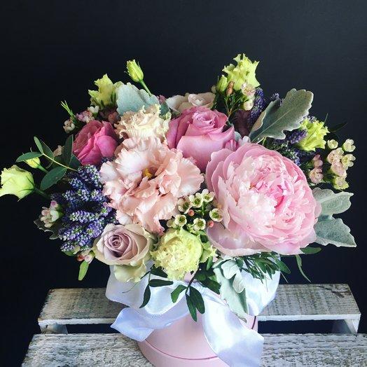 Коробочка с пионом : букеты цветов на заказ Flowwow