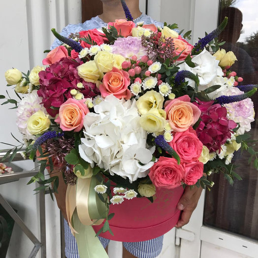 Коробка с цветами 3: букеты цветов на заказ Flowwow