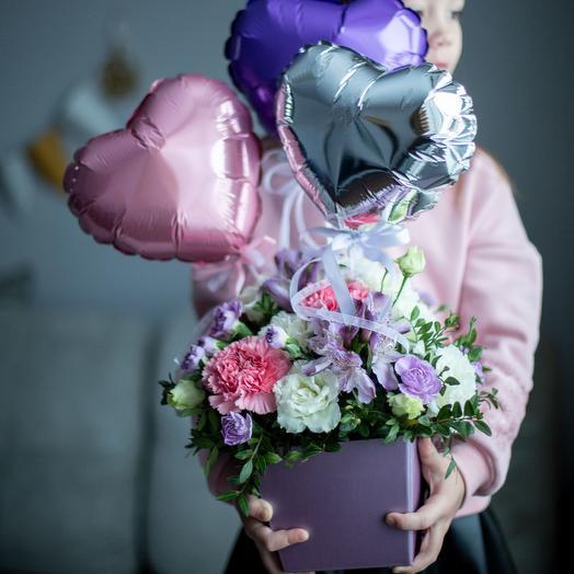 «Люблю» или цветочная коробочка с шариками