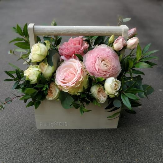 Маленький ящичек в нежной гамме: букеты цветов на заказ Flowwow
