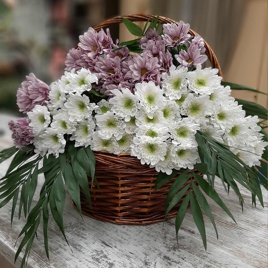 Лукошко с хризантемой: букеты цветов на заказ Flowwow