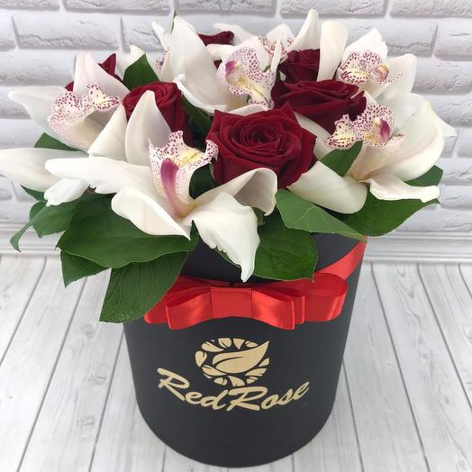 Орхидеи и красная роза в стильной,черной коробочке🌹