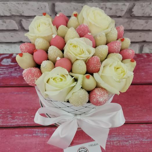 БУКЕТ В ШЛЯПНОЙ КОРОБКЕ L 2: букеты цветов на заказ Flowwow