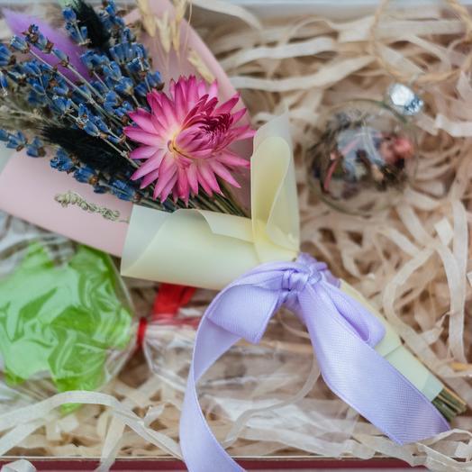 Маленький набор для Снегурочки: букеты цветов на заказ Flowwow