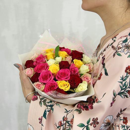 Букет из 35 роз микс 40 см (Кения) в упаковке