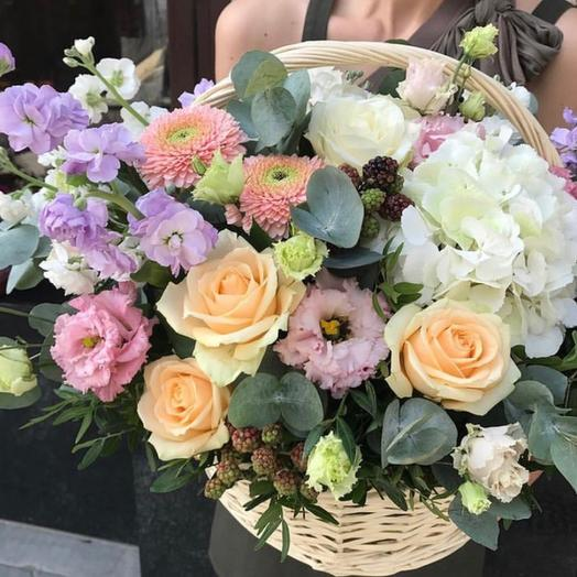 Корзина сборная 15: букеты цветов на заказ Flowwow