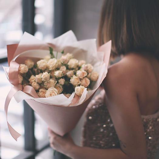 Букет из чайных кустовых роз Яна, 9 шт