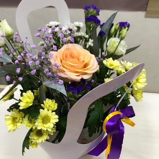 Цветы в коробке в тетропаке