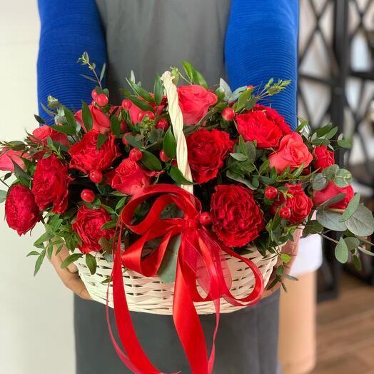 Корзина  «красные розы»