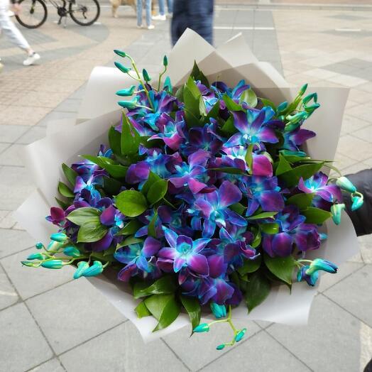 Букет синих орхидей