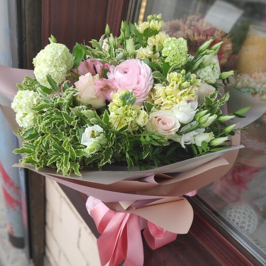 Букет цветов в аквапаке