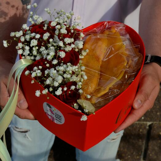 Коробка сердце с манго