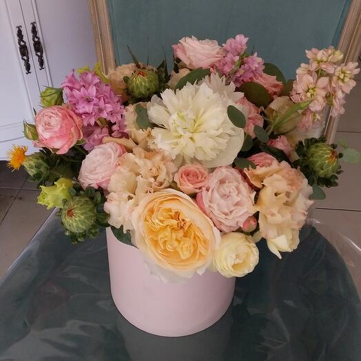 """Цветы в коробке """"С нежностью"""""""