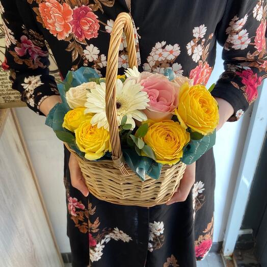 Корзина с цветами «Каталинка»