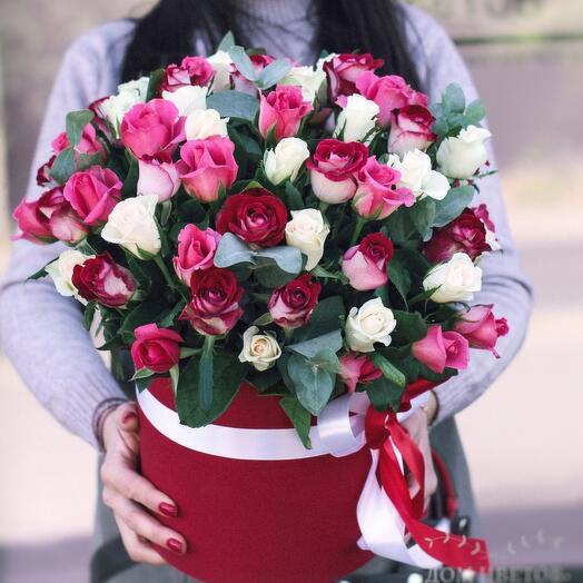 Розы в шляпной коробке р. М