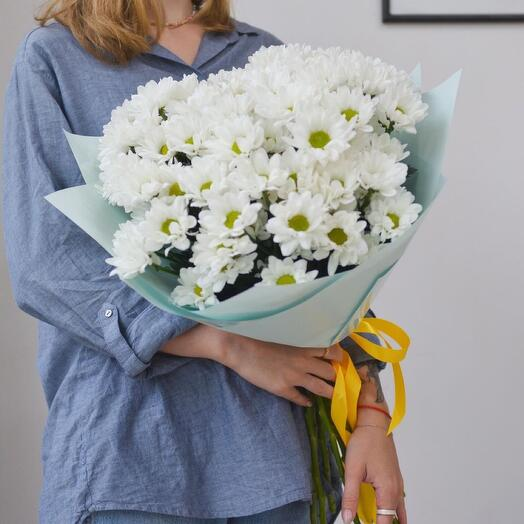 Букет из белоснежной хризантемы