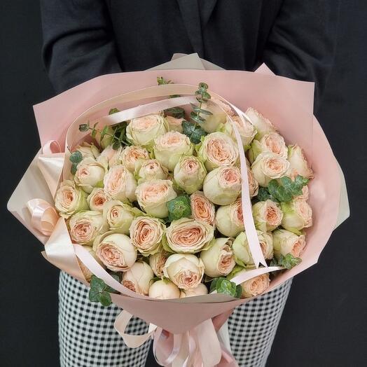 Букет кустовых роз 11шт