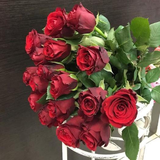 Букет из 15 красных голландских роз 70 см: букеты цветов на заказ Flowwow